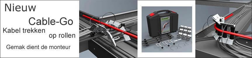 Kabelgeleidersysteem Cable-Go Profi set  De soepele manier om kabels te trekken met 3 geleider en hulpstukken om deze vast te zetten Op de nieuwe manier van kabeltrekken met het geleidesysteem van Saenroll de cable-Go kun je veel sneller kabels kabels trekken in kabelgoten, met veel minder krachtsinspanning, wat inhoud dat je fysiek veel minder belast wordt en je het op deze nieuwe manier het langer volhoudt en je gewoon minder mankracht nodigt hebt om kabels te trekken. Het unieke van het systeem is dat je altijd een minimum radius overhoud met dit gepatenteerde systeem. De kabelgeleider is van zes rollen voorzien kan op diverse manieren worden gebruikt. Ook om over muren of ijzeren balken kabels te trekken zijn ze koppelbaar zodat elke hindernis of obstakel genomen kan worden.
